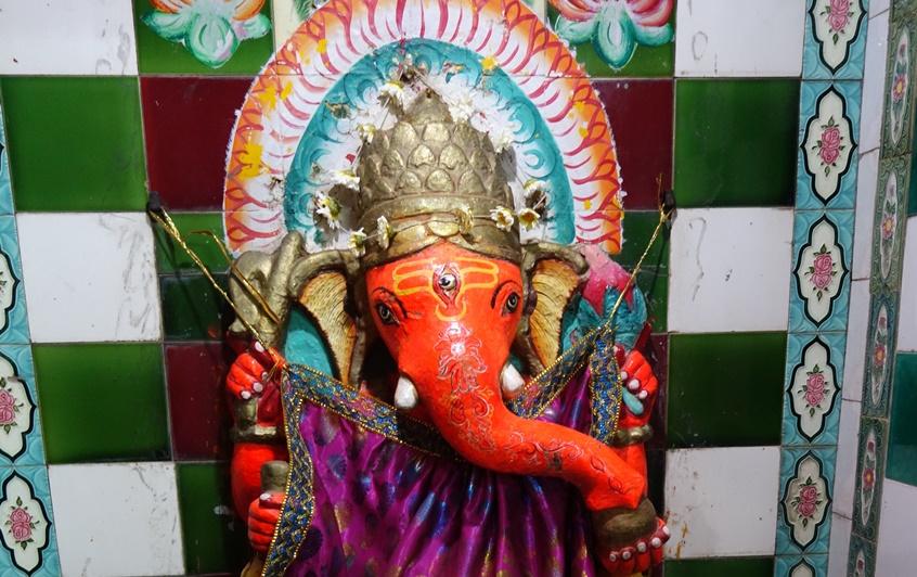 Hindouisme: divinités hindoues. Ganesha, Celui qui lève les obstacles.