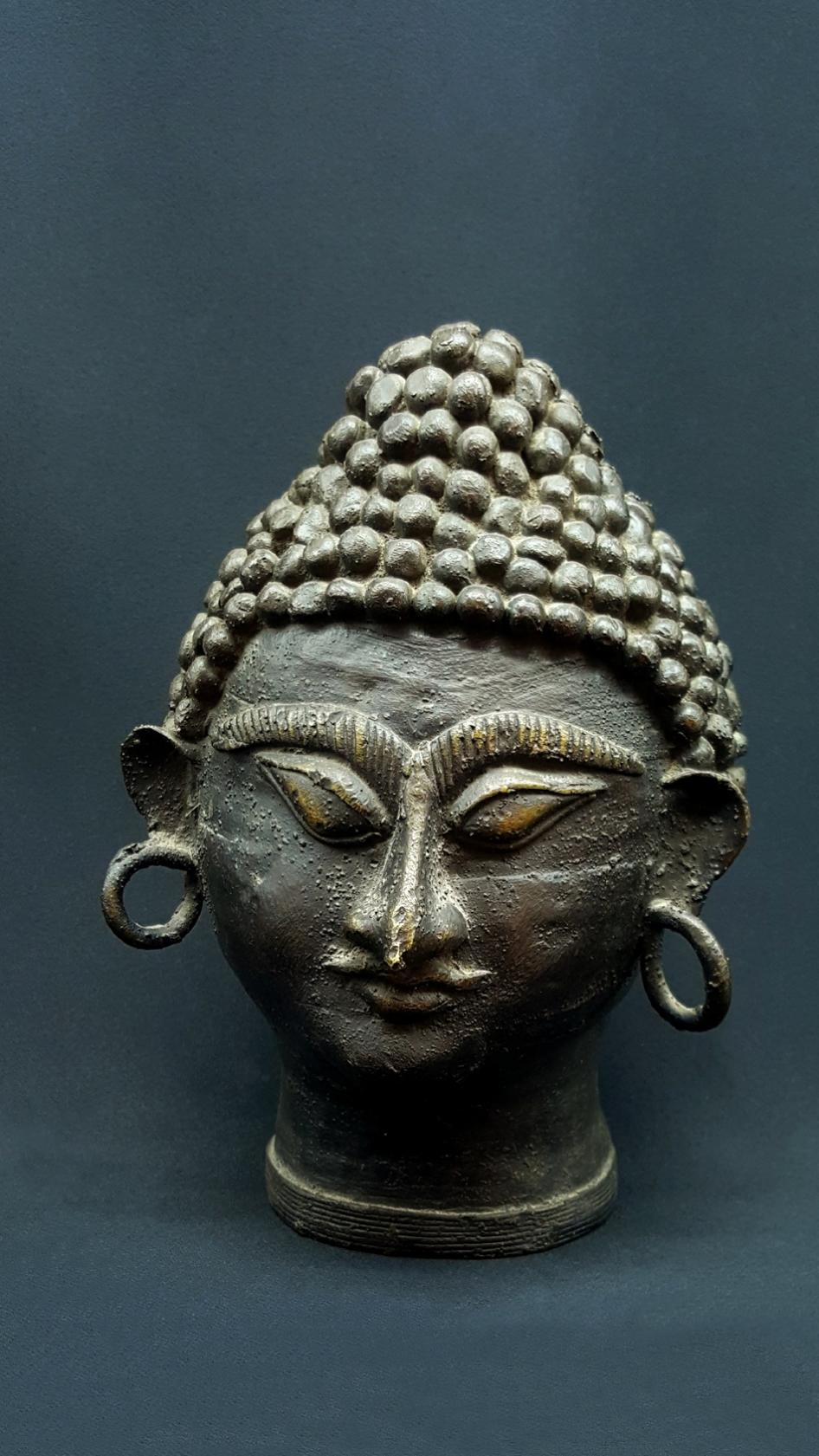 Bouddha tête tribale