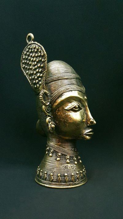 Statue Bastar Buste Femme