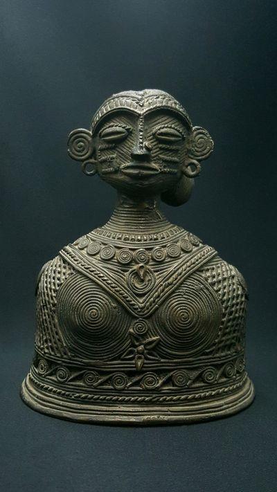 Buste Femme Bastar