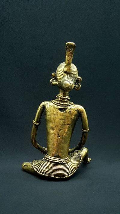Sitting woman Tumba
